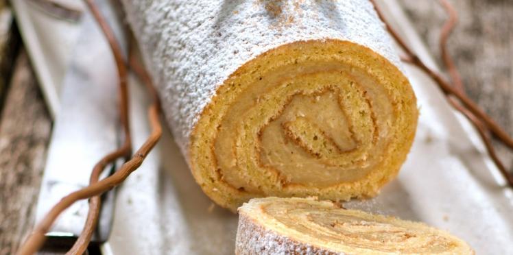 Gâteau roulé à la noix de coco et au thé vert