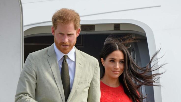 Pourquoi Meghan Markle marche-t-elle toujours derrière le prince Harry ?