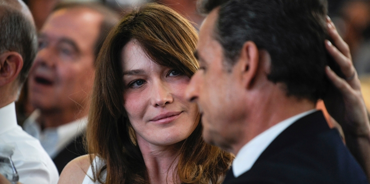 Photo - Carla Bruni Sarkozy dévoile un cliché rempli d'amour de sa fille Giulia en plein câlin
