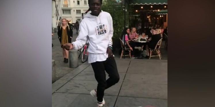Vidéo - Il danse le moonwalk comme Michael Jackson et devient une star des réseaux sociaux