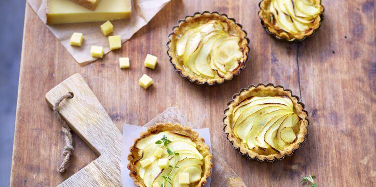 Tartelettes poires-pommes caramélisées et gruyère AOP suisse