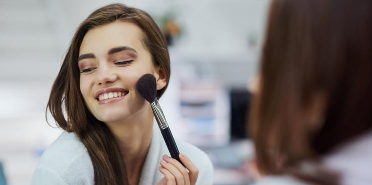 Vrai/faux : 5 idées reçues (ou pas) sur le maquillage