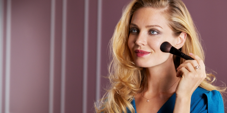 8 astuces make-up de pros pour bien maquiller son teint