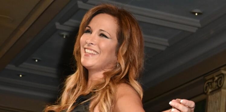 PHOTOS - Hélène Ségara change de tête et adopte une coupe ultra rajeunissante