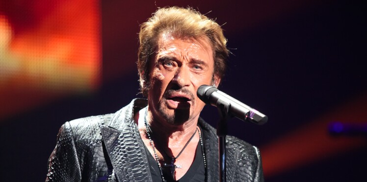 johnny hallyday il avait un peu honte d 39 eux qui sont. Black Bedroom Furniture Sets. Home Design Ideas