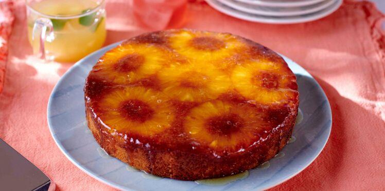 Gâteau renversé à l'ananas, rhum et noix de coco