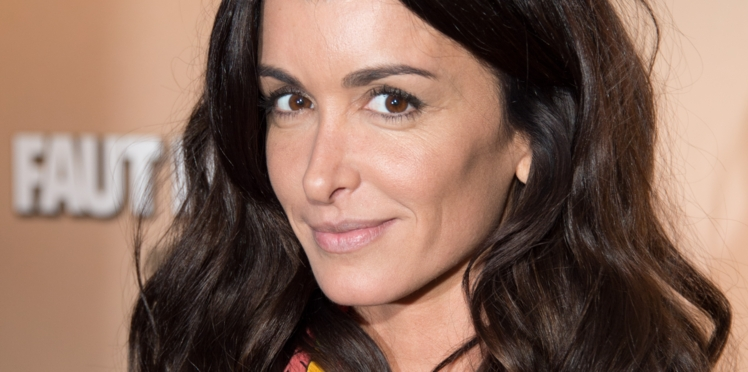 PHOTOS - Glass hair : Jenifer adopte la coiffure ultra tendance de l'automne