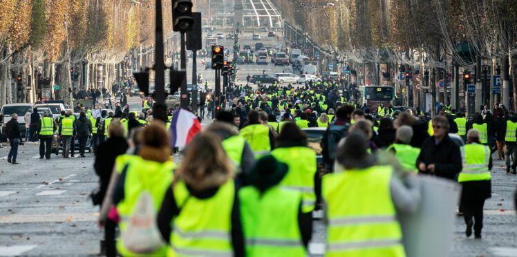 Mouvement des gilets jaunes: un journaliste de BFMTV agressé en plein direct