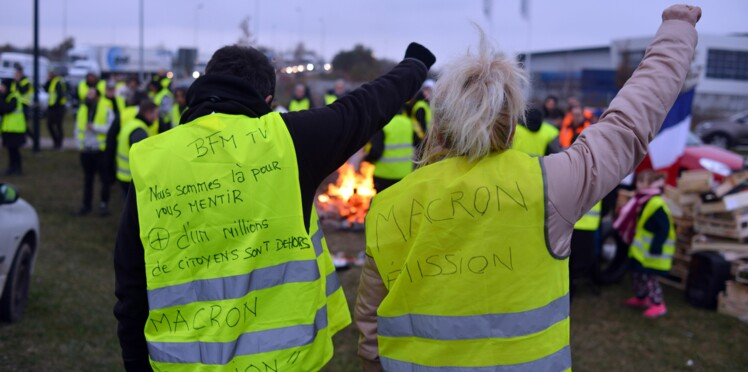 """Racisme, homophobie, menaces...Quand les """"gilets jaunes"""" dérapent"""