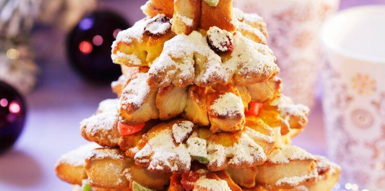 Dessert de Noël original : un sapin géant en biscuits