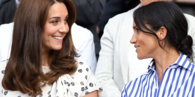 Photos - Kate Middleton et Meghan Markle, complices au point de s'habiller de la même couleur, le même jour ? Look !