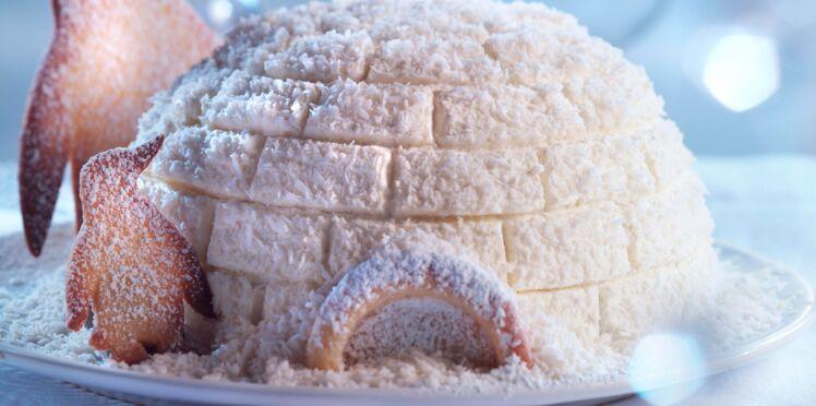 Dôme glacé au chocolat en forme d'igloo pour Noël