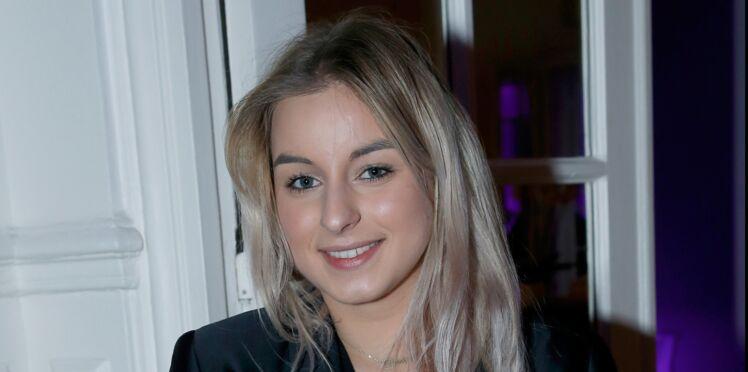 Darina, la fille de Sylvie Vartan, crée le buzz sur le net en risquant l'accident de la petite culotte !