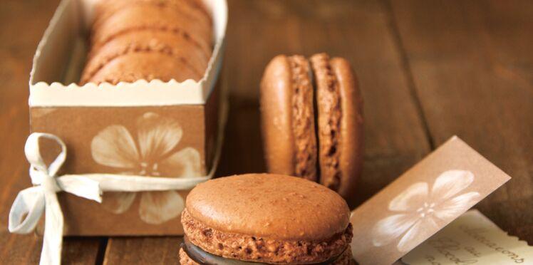 Macarons pâtissiers au chocolat noir