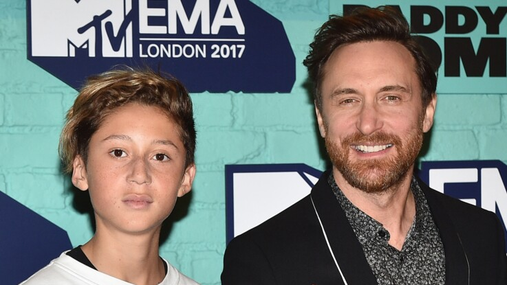 Cathy et David Guetta : leur fils, Tim Elvis, devient mannequin et dévoile ses premières photos professionnelles