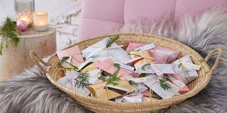 Bricolage de Noël express : un calendrier de l'Avent à fabriquer avec des pochettes cadeaux