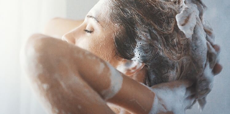Shampooing : les cheveux peuvent-ils s'y habituer ou faut-il en changer régulièrement ?