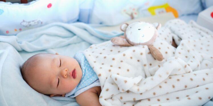 Découvrez l'astuce étonnante pour aider votre bébé à bien dormir