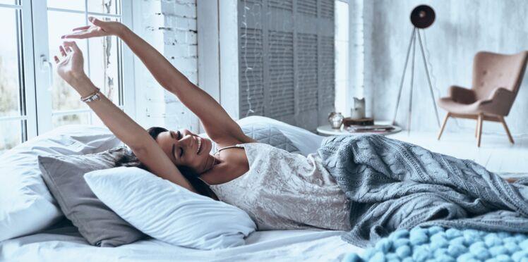 S'étirer, bâiller, déverrouiller... 8 astuces pour réveiller son corps en douceur
