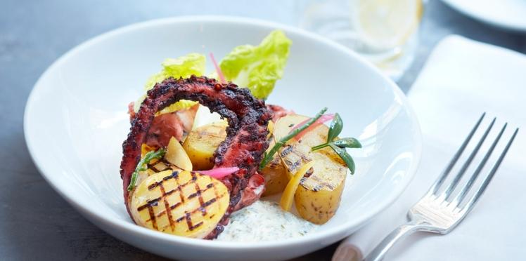Salade de pommes de terre grillées aux algues, poulpe confit