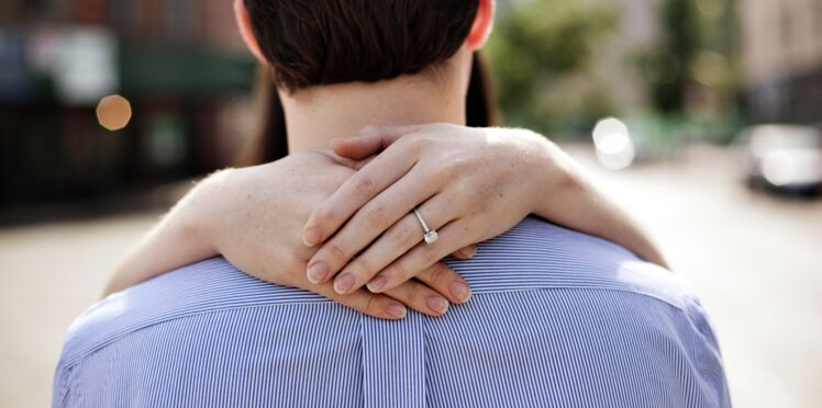 Fiançailles: les femmes auraient-elles décidé faire la demande en mariage ?
