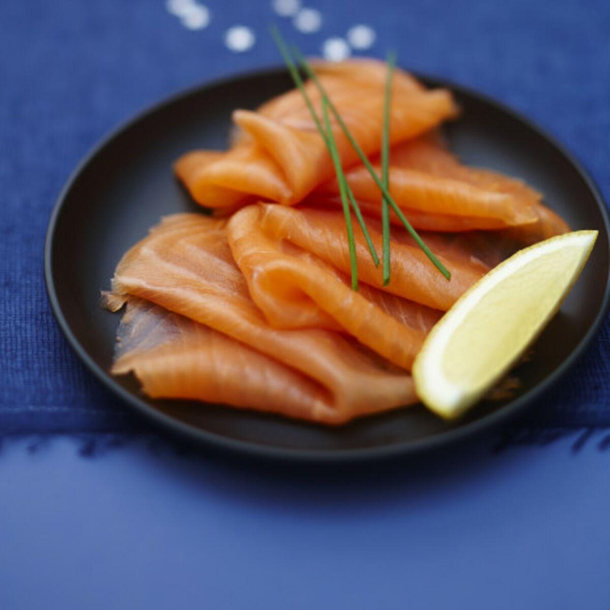 Pourquoi faut-il éviter de mettre du citron sur le saumon fumé ? : Femme  Actuelle Le MAG