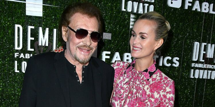Photo - Laeticia Hallyday : le message qu'elle a laissé sur la tombe de Johnny