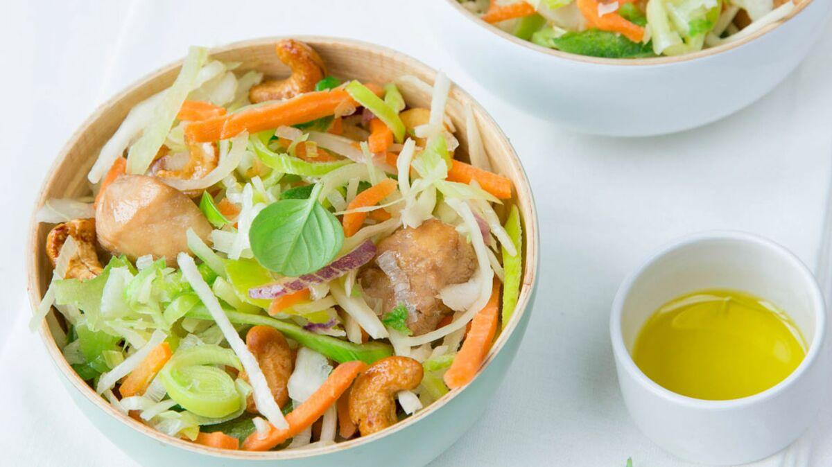 Wok fondant de légumes et poulet mariné