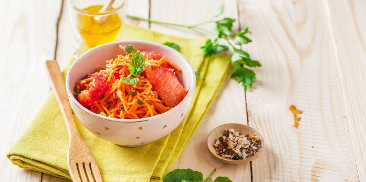 Salade de carottes râpées aux agrumes et noisettes