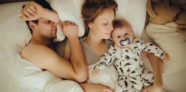 Cododo : bonne ou mauvaise idée de dormir avec son bébé ?