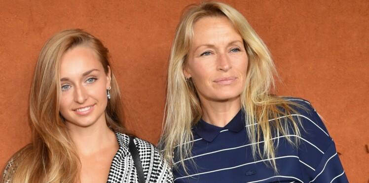 Photos - Estelle Lefébure dévoile le point commun entre Johnny Hallyday et ses filles Ilona et Emma Smet
