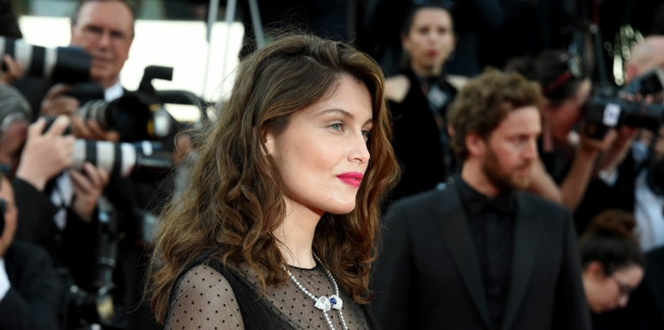 PHOTO : Laetitia Casta, la belle a sacrifié ses cheveux longs