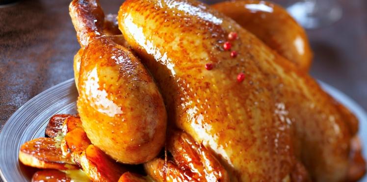 Chapon rôti aux patates douces, sauce coco-curry