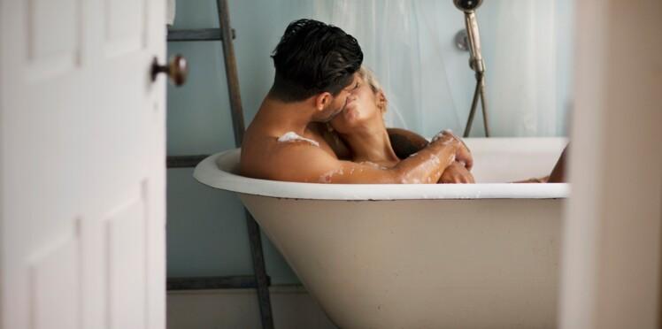 Aqua-sutra : 7 positions du Kamasutra à tester dans le bain ...