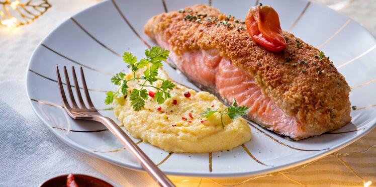 Saumon en croûte de pignons et romarin, polenta crémeuse à l'huile de truffe blanche