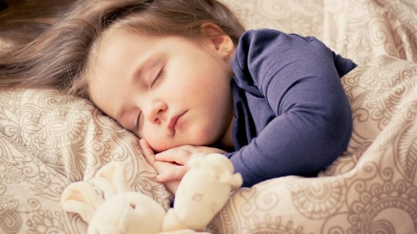 Passage à l'heure d'hiver : 3 astuces pour aider les enfants à s'adapter
