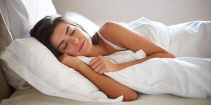 Sinon, il ne peut pas dormir. Jérémy dormira très bien sans son viatique, nous le surprendrons même avec une revue porno en guise de somnifère.