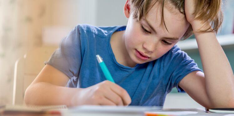 Le cadeau de Noël à cacher absolument quand les enfants font leurs devoirs