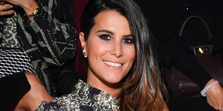 Karine Ferri, sexy : elle adopte la robe à fleurs en hiver, version courte ! (et on sait où la trouver !)