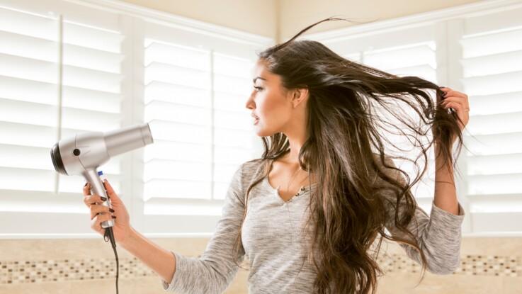 Pourquoi utiliser le sèche-cheveux de votre chambre d'hôtel est une mauvaise idée