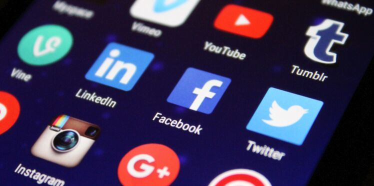 Adolescents : les filles plus fragiles que les garçons sur les réseaux sociaux