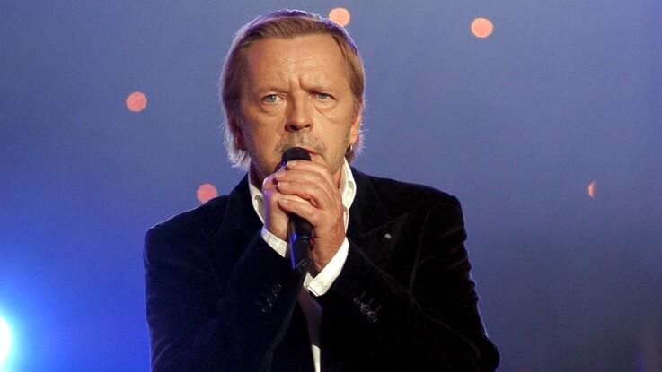 Renaud : pourquoi le chanteur regrette sa chanson sur son père