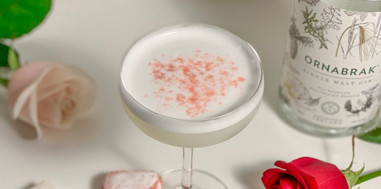 """Cocktail """"Cloud of Roses"""""""