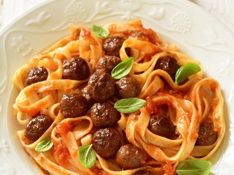 Billes de bœuf bolognaise : découvrez les recettes de cuisine de Femme Actuelle Le MAG