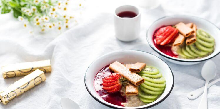 Porridge coloré et croustillant aux crêpes dentelle nature