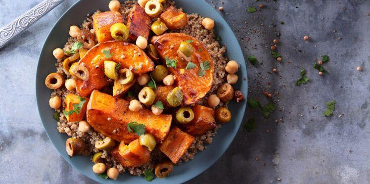 Couscous de quinoa à la patate douce, courge butternut et olives à la marocaine