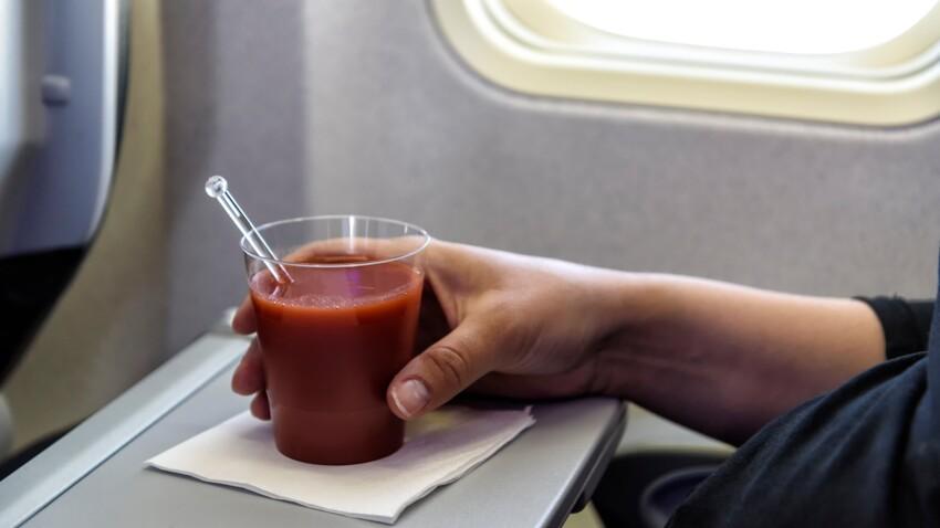 Savez-vous pourquoi le jus de tomate est bien meilleur en avion ?