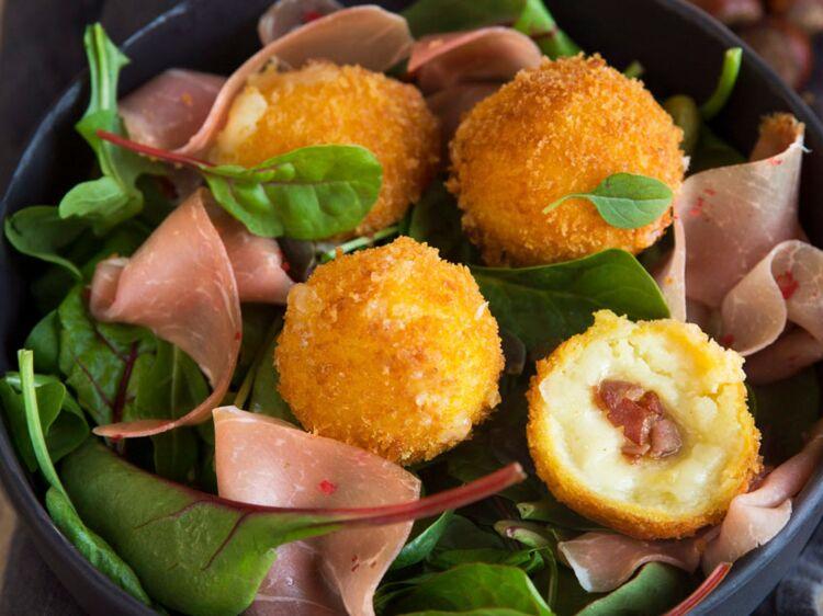 Cromesquis à la raclette : découvrez les recettes de cuisine de Femme Actuelle Le MAG