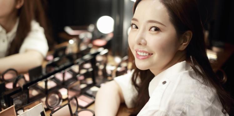 """""""Escape The Corset"""" : quand les Coréennes disent stop au maquillage"""