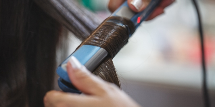 Lissage cheveux : quand doit-on changer son fer à lisser ?